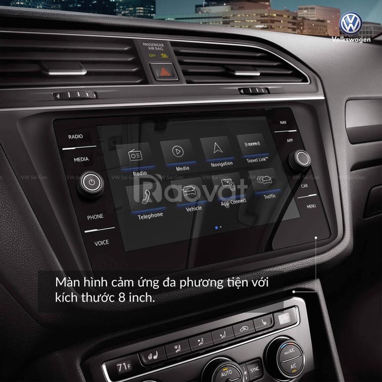Volkswagen Tiguan Luxury 2019 nhập khẩu, màu đỏ tặng quà