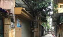 Nhà cấp 4 Nguyễn Khánh Toàn, Ô tô vào nhà