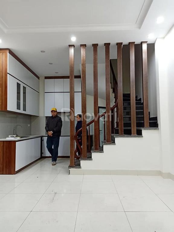 Nhà mới đẹp ngõ thông kinh doanh Nguyễn Đức Cảnh, 33m2 5 tầng 2.8 tỷ