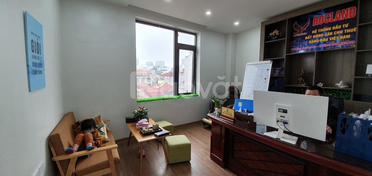 Cho thuê văn phòng phố Duy Tân DT 45m2 giá 7.5 triệu, 38m2 giá 7.2tr