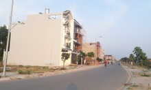 Sang nhanh 2 lô đất 220m2 thổ cư, gần chợ Bà Hom-Tỉnh Lộ 10-sổ hồng
