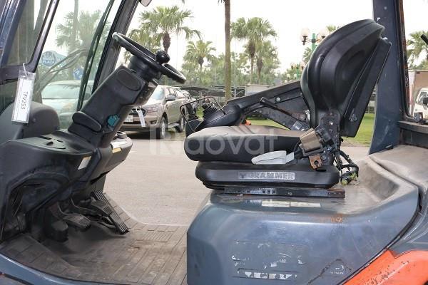 Xe nâng dầu cũ hiệu Toyota 02-8FDF25