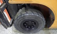 Xe nâng dầu Toyota tải trọng 2.5 tấn