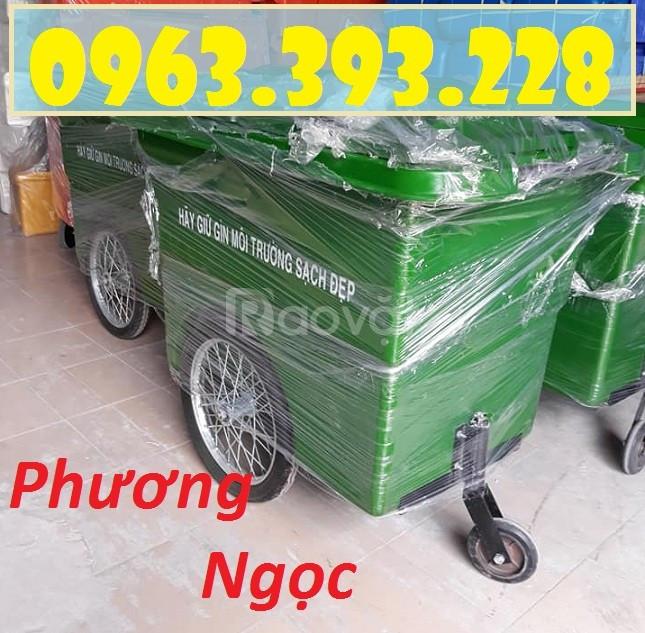 Xe gom rác nhựa 3 bánh xe 660L, xe đẩy rác công nghiệp, thùng rác 660L