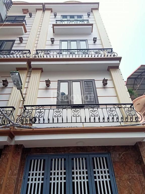 Bán nhà 5 tầng 34m2 Minh Khai - Chợ Mơ, ngõ ba gác, 2.75 tỷ.