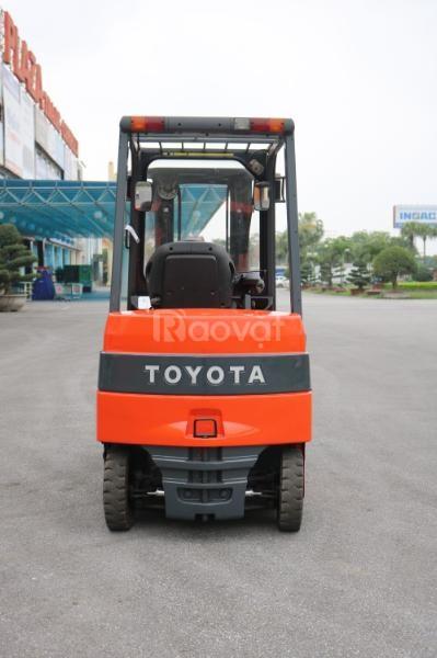 Xe nâng điện cũ ngồi lái hiệu Toyota 7FBMF20
