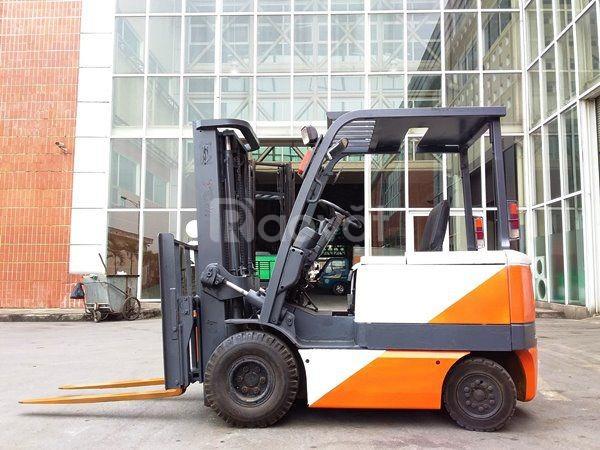 Xe nâng điện ngồi lái hiệu TCM FB25-6, 2002