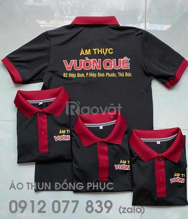 Áo thun nhân viên màu đen, bo cổ-bo tay màu đỏ