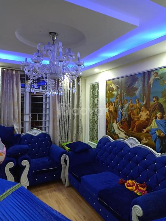 Bán nhà đẹp 35m2, 5 tầng khu phân lô cán bộ phố Lê Thanh Nghị