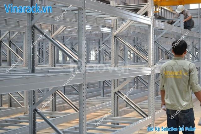 Lắp đặt kệ pallet tại các nhà máy sản xuất sơn, công ty, nhà phân phối