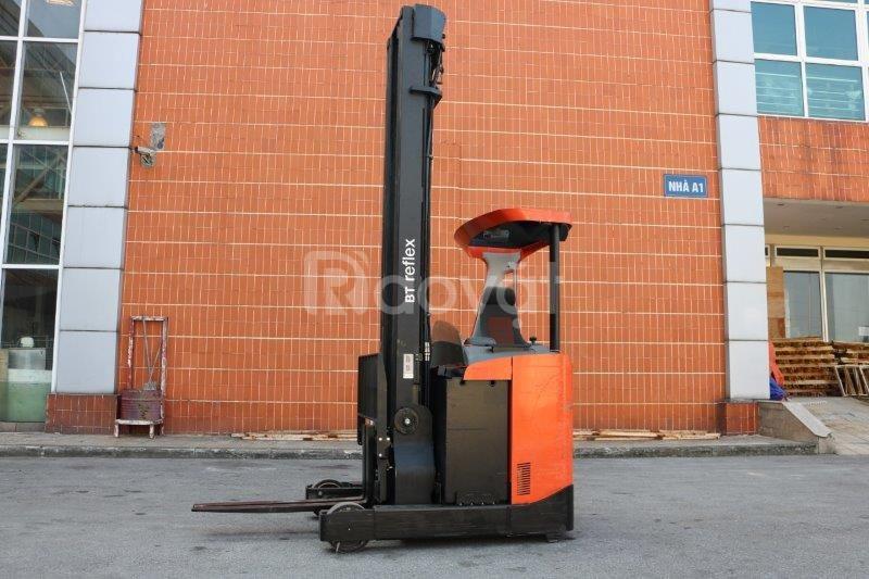 Xe nâng Reach truck ngồi lái BT RRE 160