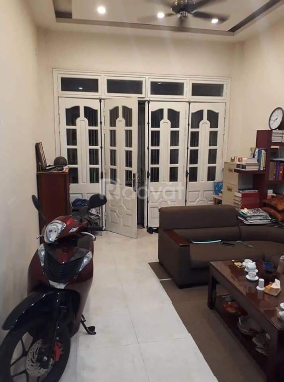 Bán nhà 5 tầng diện tích 45m mặt tiền 4m phố Ngọc Thuỵ, Long Biên