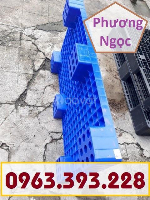 Pallet nhựa kê kho, pallet nhựa PL04LS, pallet nhựa công nghiệp