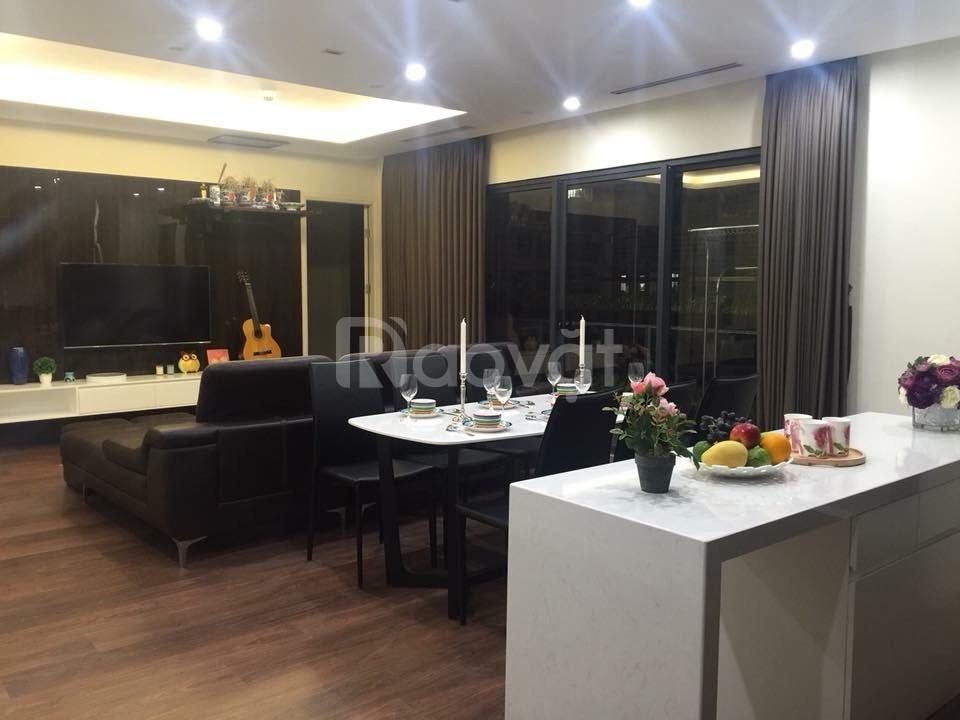 Cần bán nhanh căn hộ 118m2, 3 phòng, ban công ĐN tại Komos