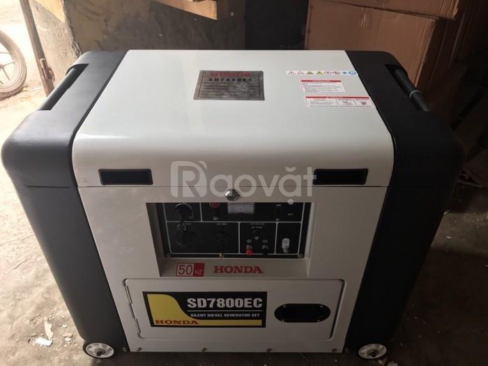 Giá máy phát điện chạy dầu Honda SD7800EC 5KW hàng chính hãng