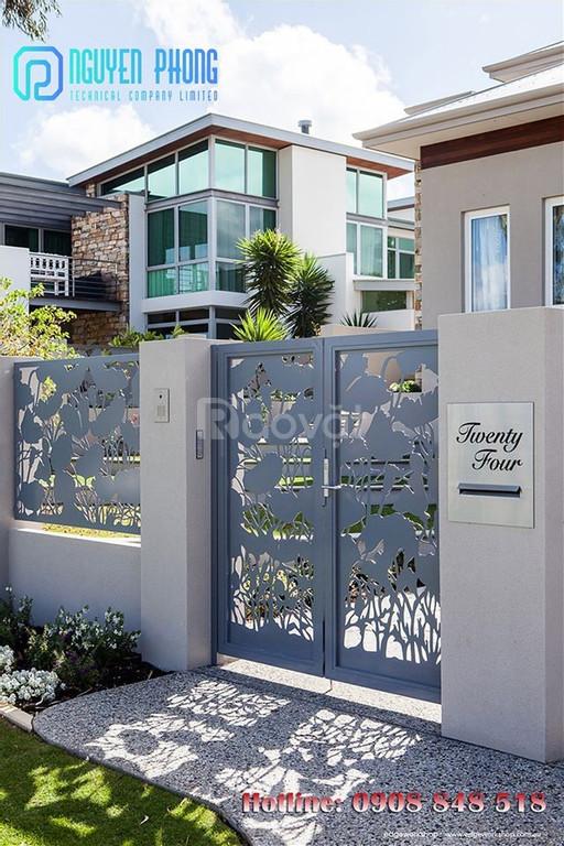 Cửa, cổng biệt thự cắt CNC nghệ thuật, sang trọng, sơn bền màu 2020 (ảnh 1)
