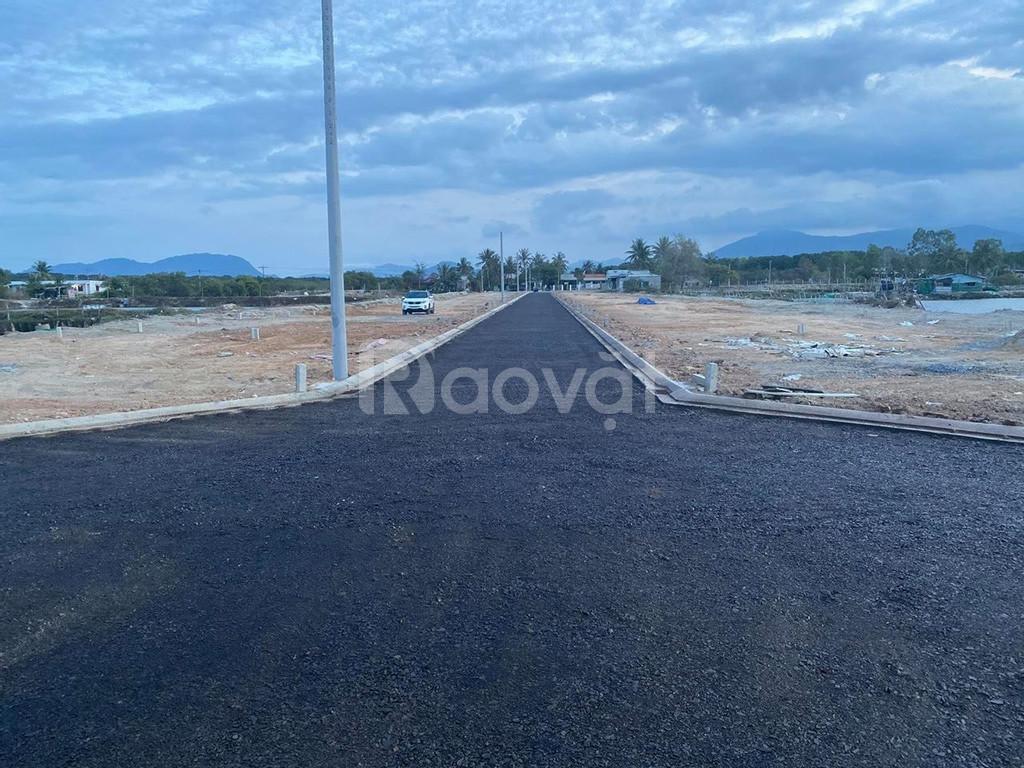 Bán đất view Đầm Thủy Triều, Cam Hải Tây giá 779 triệu thổ cư 100%