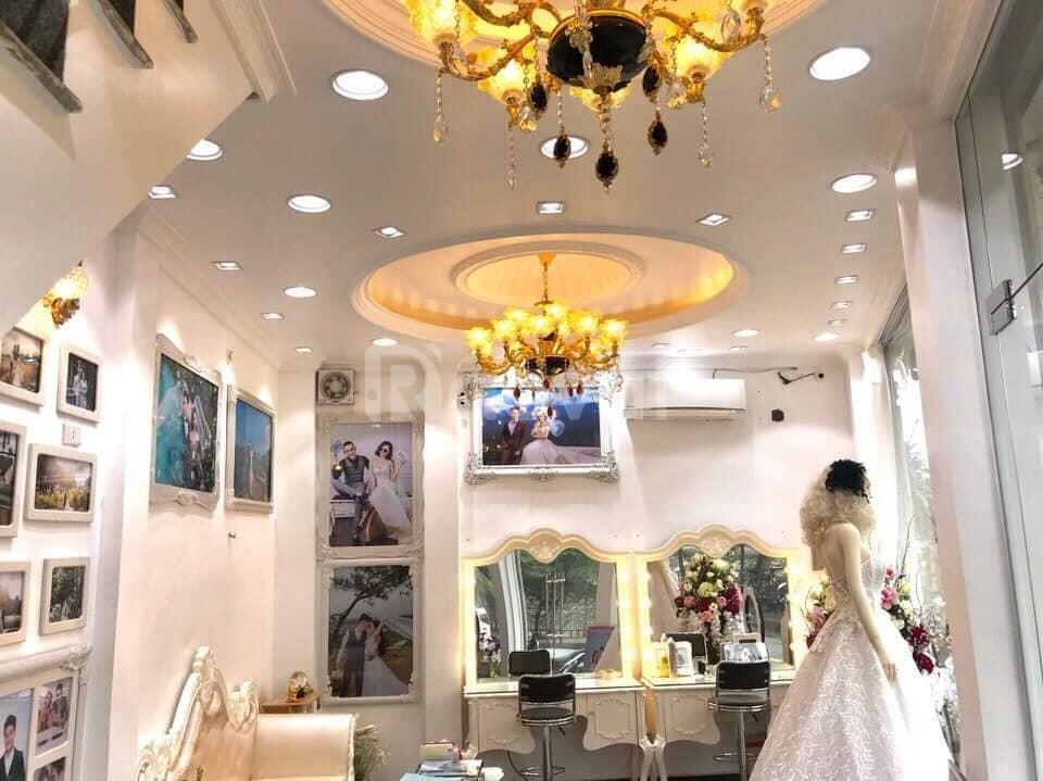 Bán nhà mặt phố Nguyễn Lân 30m2, 5 tầng, 7.4 tỷ.