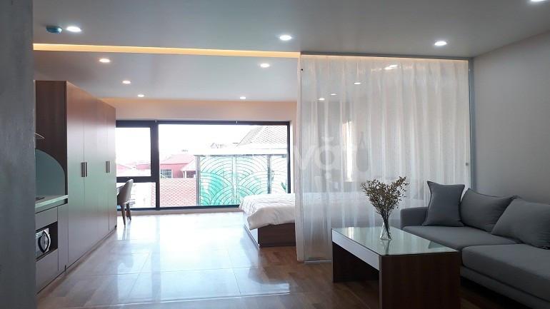 Cho thuê căn hộ dịch vụ tại Xuân Diệu, Tây Hồ, 50m2, studio (ảnh 1)