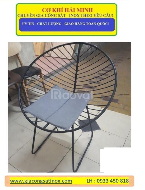 Bàn ghế sắt uốn nghệ thuật sơn tĩnh điện