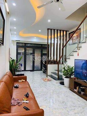 SĐCC bán mặt phố Cự Lộc 33M x 5T giá 5.3 tỷ