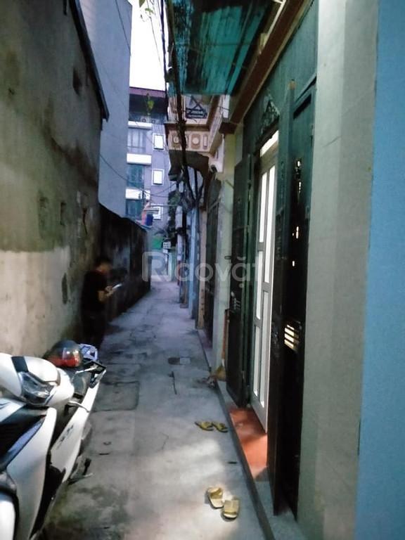 Bán nhà Khương Đình 40m2, mặt tiền 4.2m, ba gác đỗ cửa