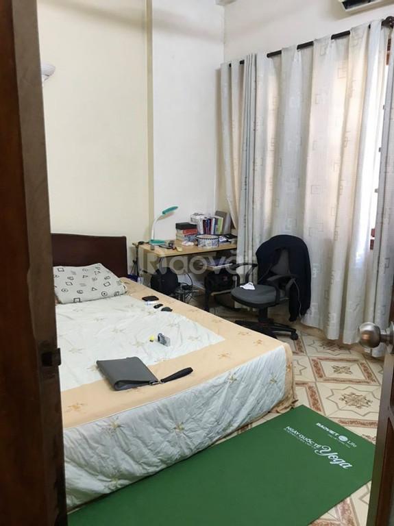 Nhà 640 Nguyễn Văn Cừ 35m2, 4 tầng, 4.3m mặt tiền 7 chỗ vào nhà