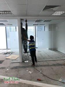 Nhận tháo dỡ vách, cửa kính cường lực giá rẻ tại Hà Nội