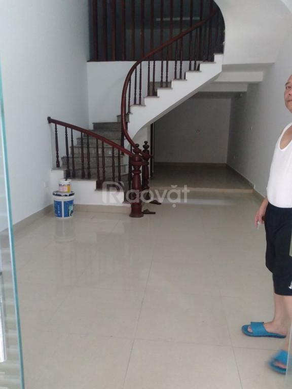 Bán nhà Vĩnh Phúc 45m2 xây 4T, mặt tiền 4.5m, ô tô tránh giá 9.5 tỷ