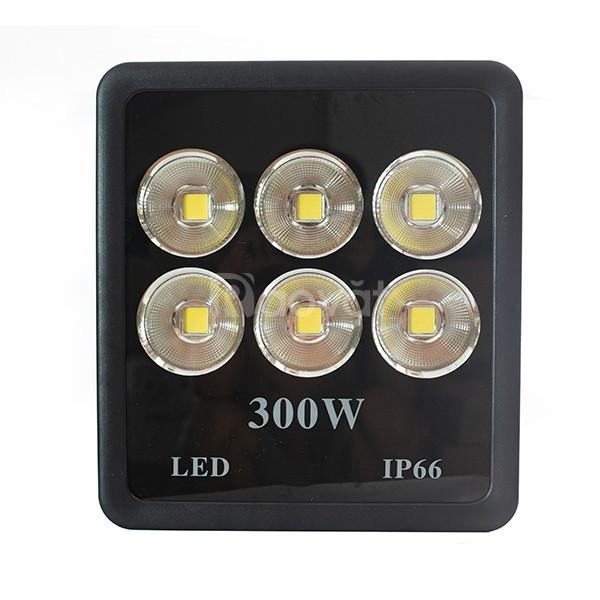 Đèn pha LED 300w cốc chiếu xa