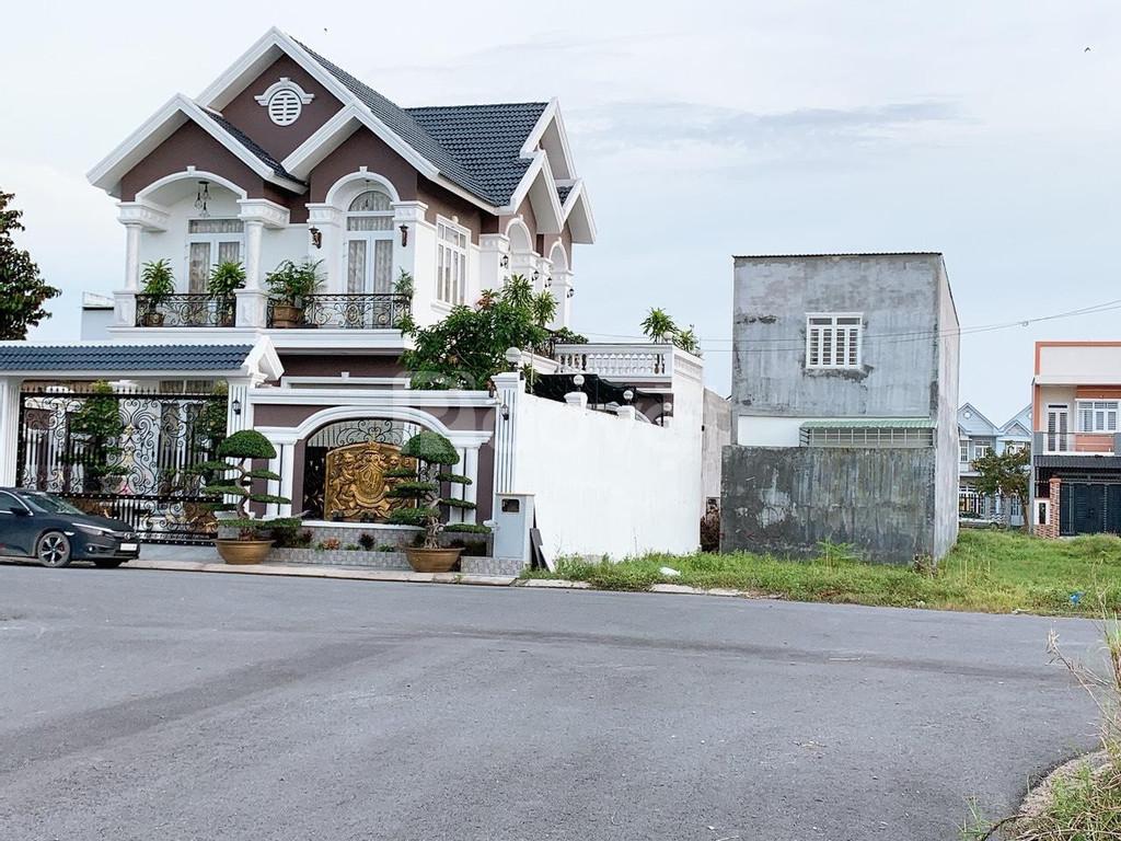 Cần sang gấp lô biệt thự khu Tân Tạo, thổ cư 100%
