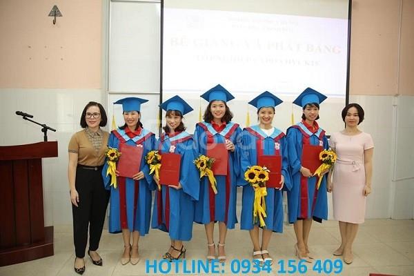 Nhận may áo tốt nghiệp mầm non, tiểu học, đại học thạc sĩ, tiến sĩ