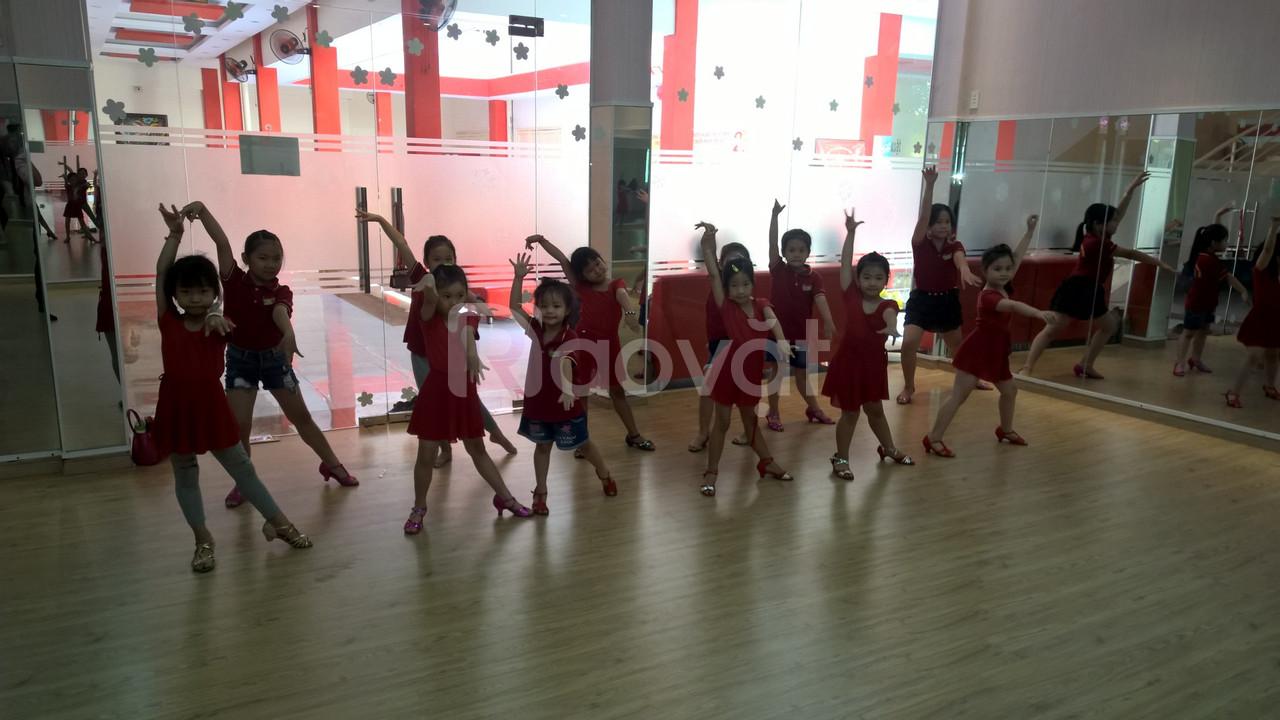 Lớp học năng khiếu dành cho trẻ - Dance sport (ảnh 5)