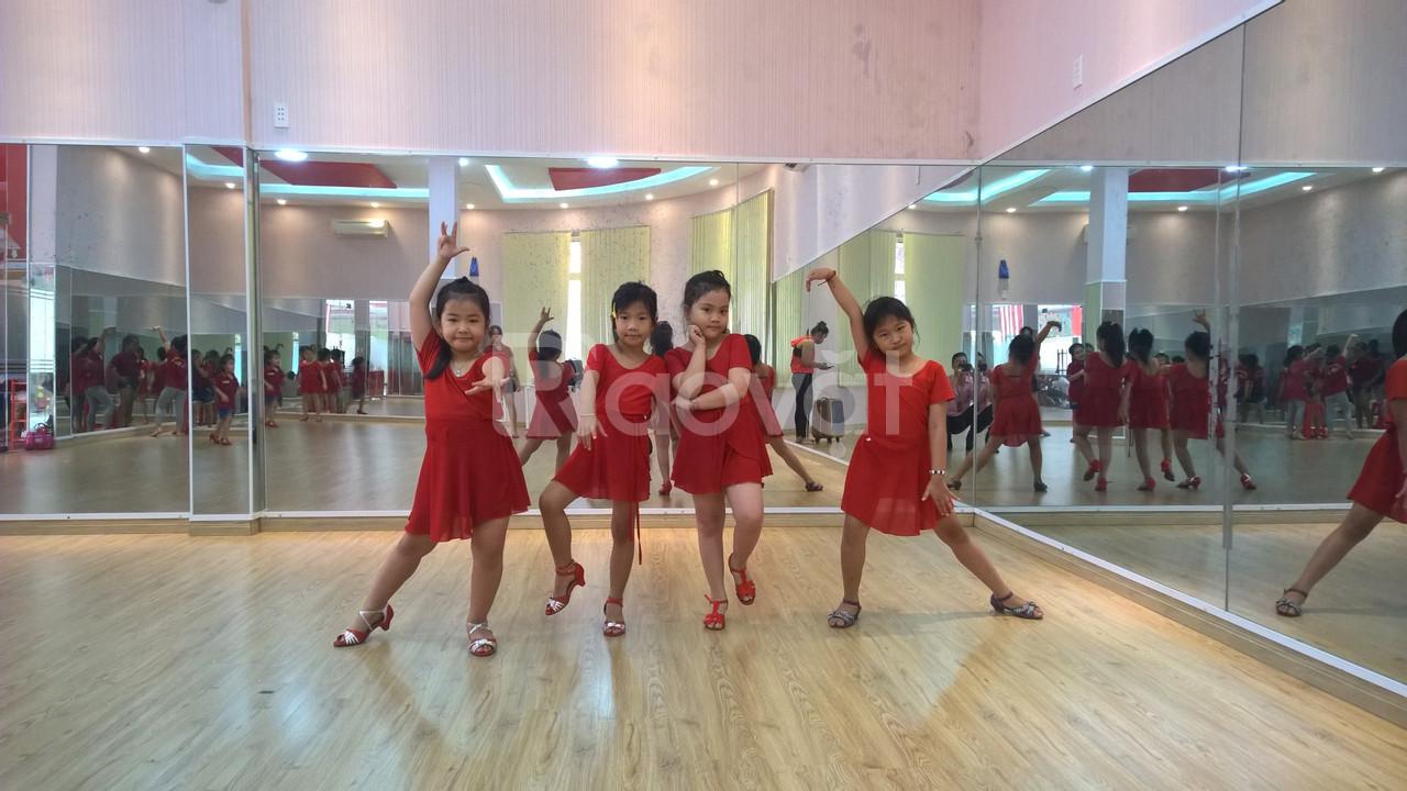 Lớp học năng khiếu dành cho trẻ - Dance sport (ảnh 6)