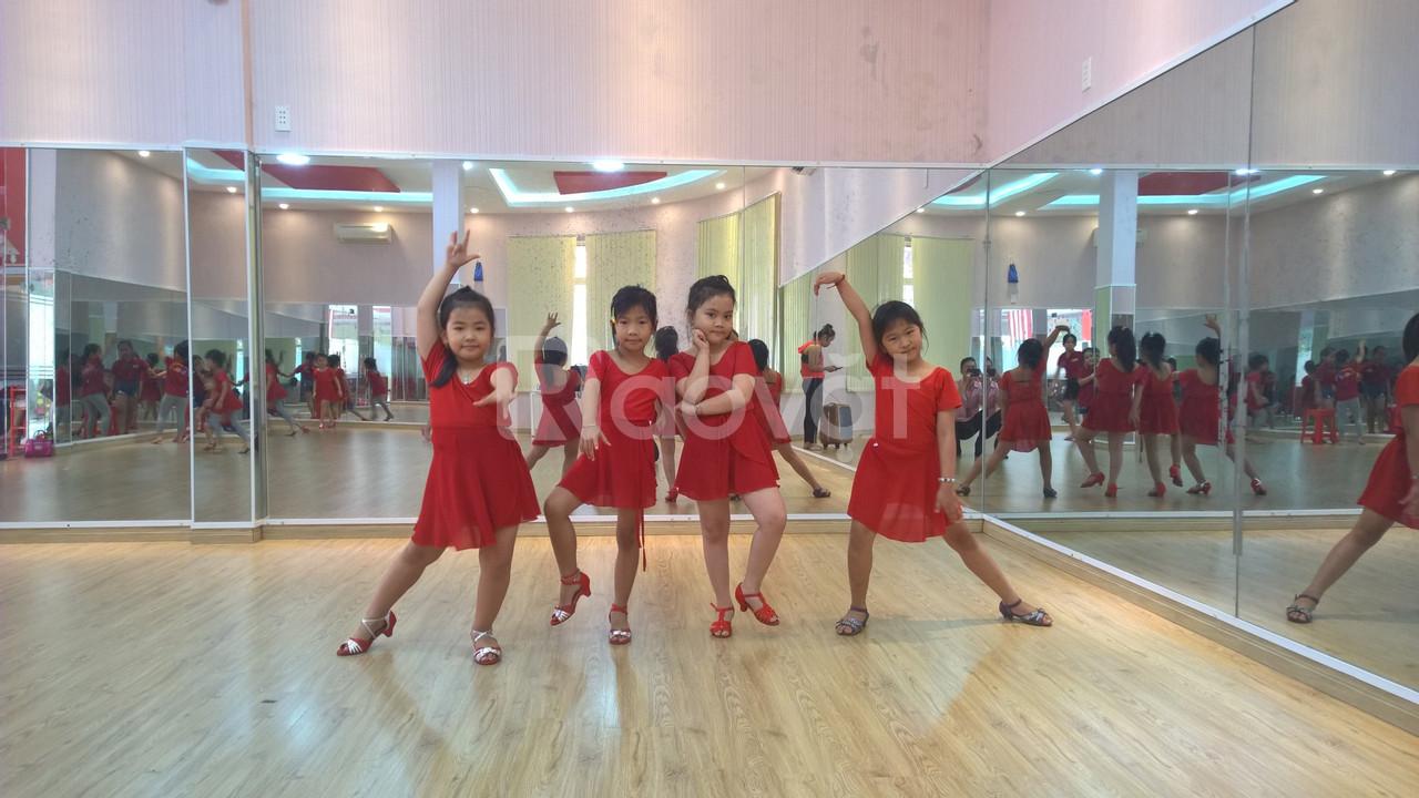 Lớp học năng khiếu dành cho trẻ - Dance sport (ảnh 11)