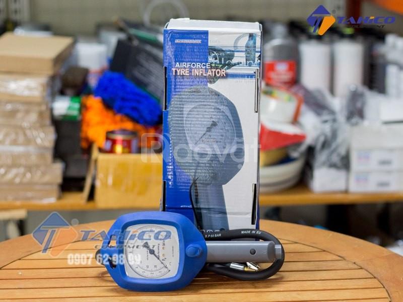 Đồng hồ đo áp suất và bơm lốp Air Force