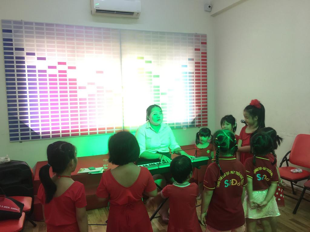 Lớp học năng khiếu dành cho trẻ -  Thanh Nhạc (ảnh 8)