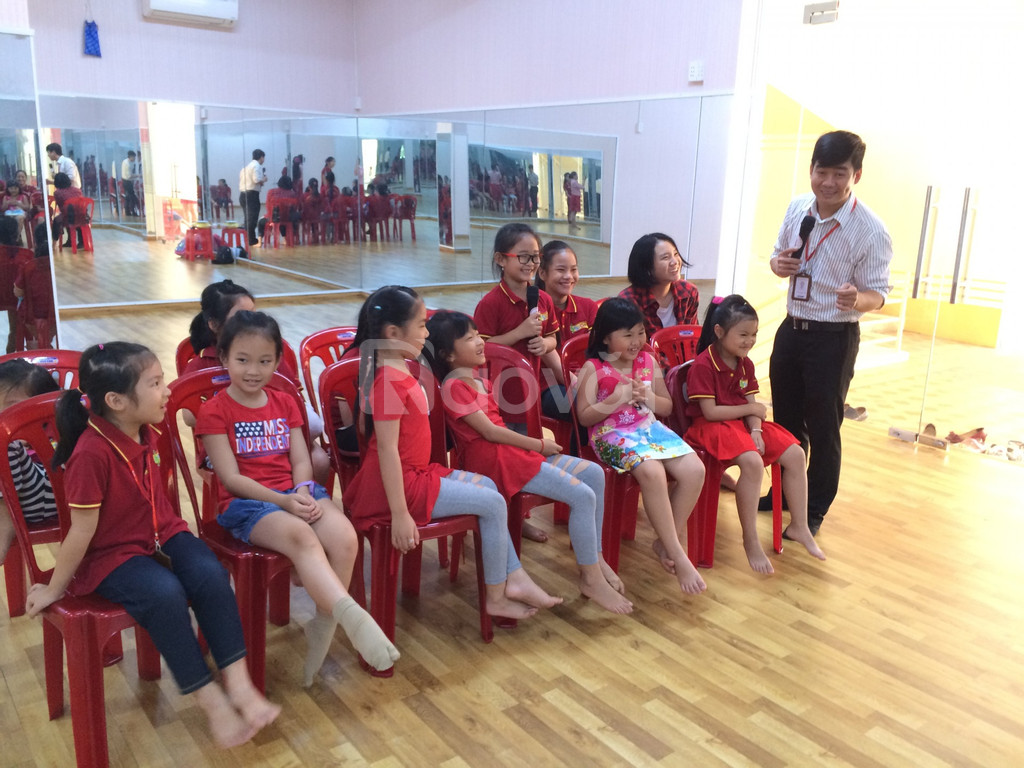 Lớp học năng khiếu dành cho trẻ -  MC NHÍ (ảnh 3)