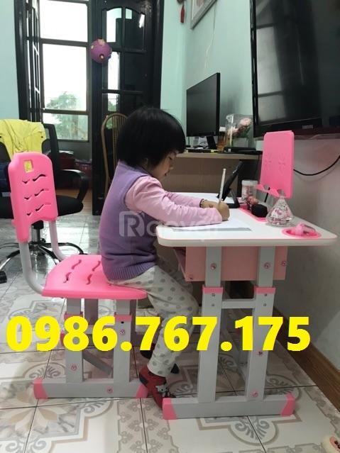 Bộ bàn ghế học sinh chống gù, chống cận cho bé