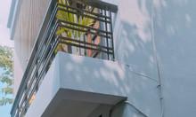 Nhà 4x8 1 lầu ngay CVPM Quang Trung