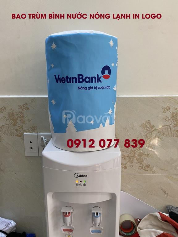 Bao trùm bình nước in tên ngân hàng theo yêu cầu