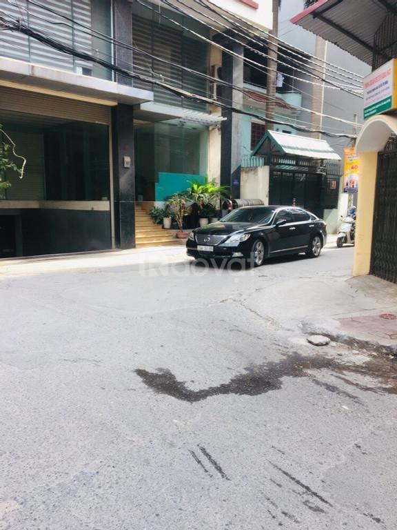 Nhà cấp 4 ngõ 118 Nguyễn Khánh Toàn, ôtô vào