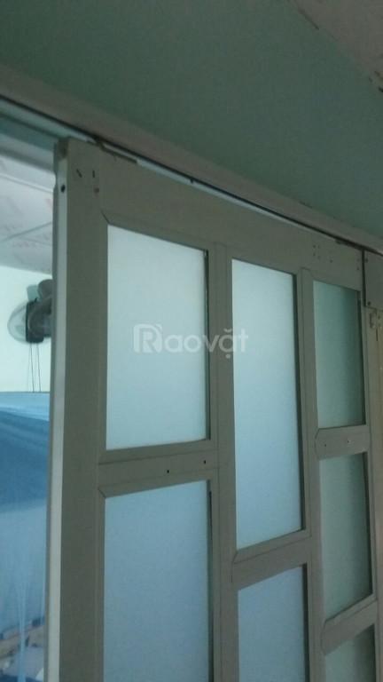 Chuyên sửa cửa nhôm kính tại nhà TPHCM lưu động