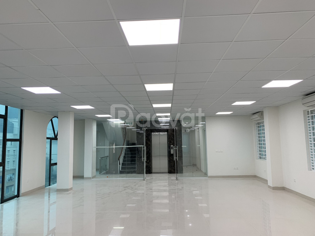Cho thuê cả tòa nhà 8 tầng mặt tiền 18m đường Mễ Trì, Mỹ Đình (ảnh 1)