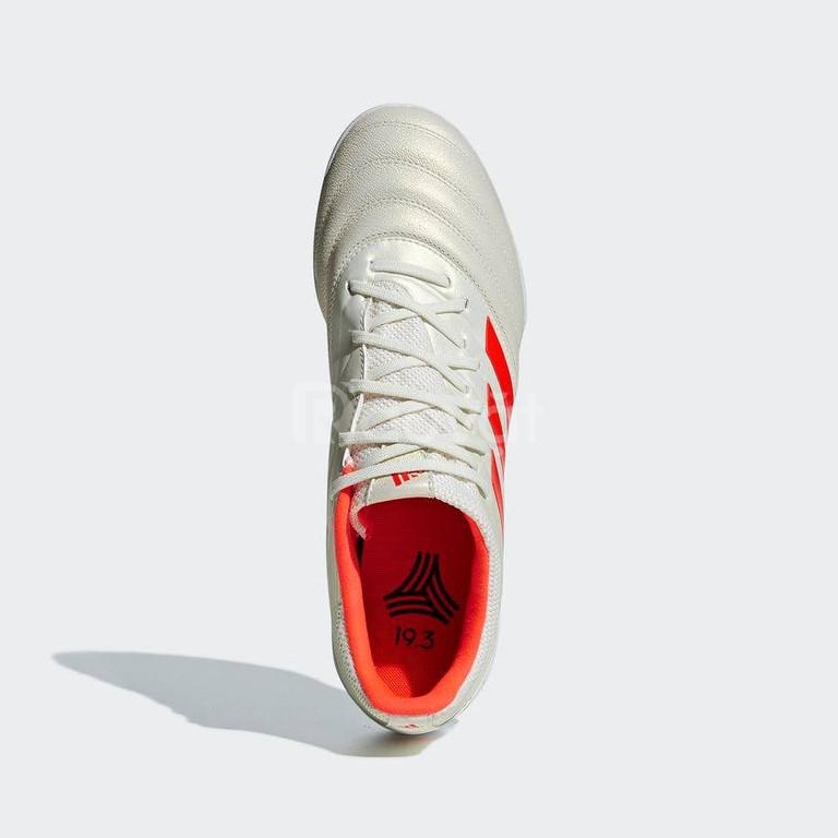 Giày đá bóng adidas hàng nhật