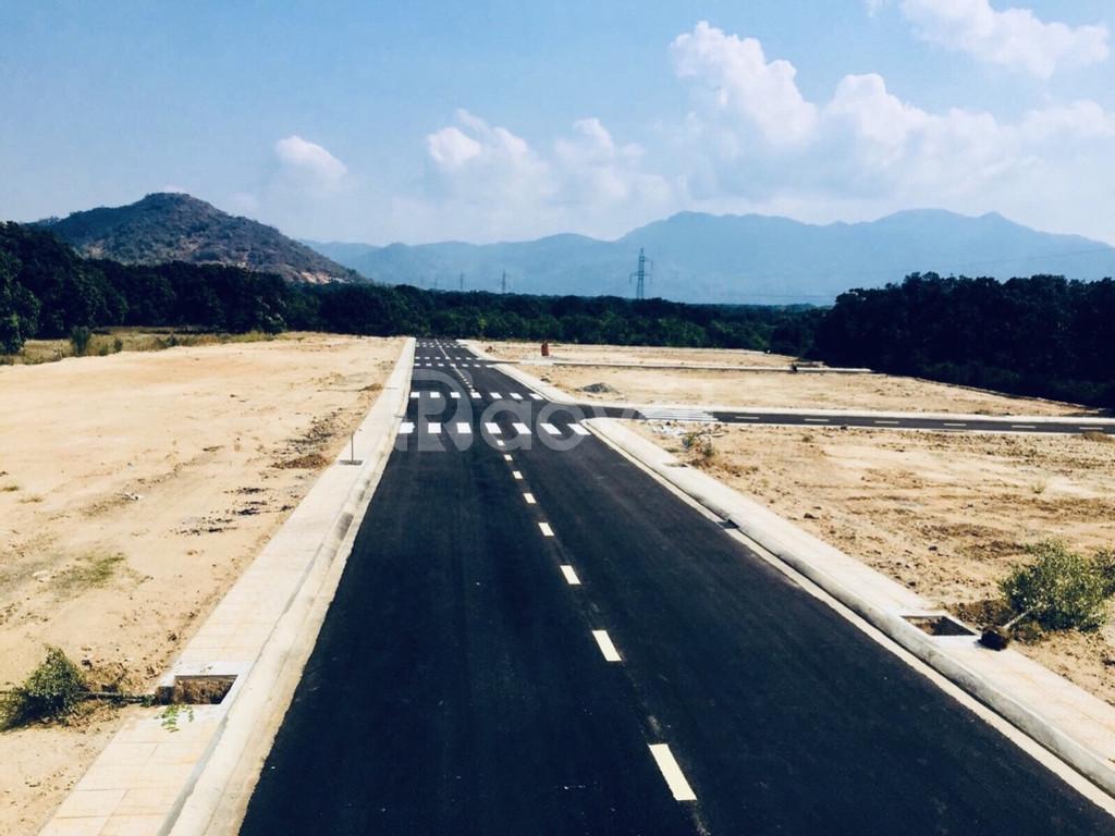 Bán đất mặt tiền đường hành chính, 40m Đinh Tiên Hoàng, 13tr/m2