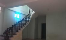 Nhà Phúc Lý gần quận uỷ 59m 2T ngõ 3m, tầng 2 4 thoáng