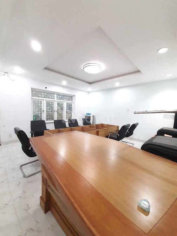 Bán tòa nhà văn phòng mặt tiền Đỗ Xuân Hợp, Quận 9, 156m2, 4 tầng, 9.9 tỷ