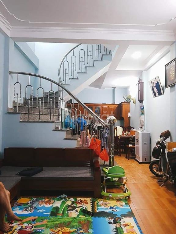 Nhỉnh 8tỷ có nhà phố Chùa Láng 50m2 x 5 tầng, MT 6.5m, kinh doanh tốt (ảnh 1)