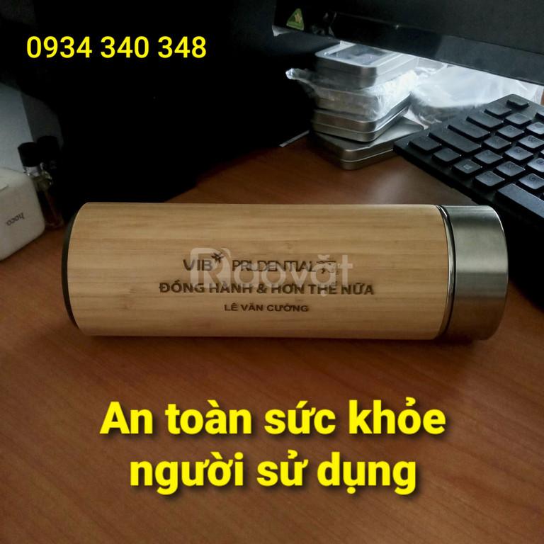 Bình giữ nhiệt gỗ tre in khắc logo đẹp rẻ tại tphcm